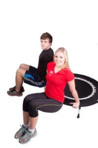 Jumping Fitness Trampolin kaufen - Mann und Frau